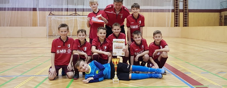 U12 gewinnt in Wolfsberg den Weinebene-Hallencup....
